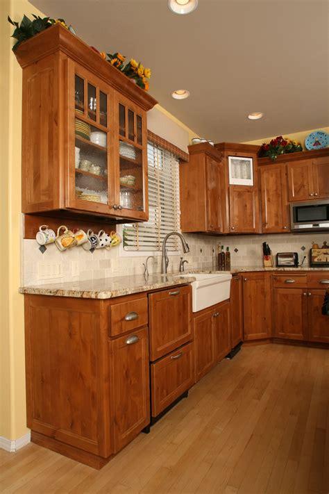 knotty alder kitchen cabinets affordable custom cabinets showroom 6670