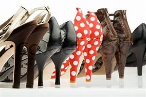 Schuhschränke Für Viele Schuhe : viele verschiedene schuhe f r frauen stockfoto colourbox ~ Markanthonyermac.com Haus und Dekorationen
