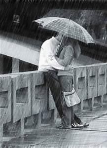 herenimar: romantic couple kissing in rain