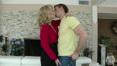 Mommy Blows Best Real Milf Nina Hartley Gives An