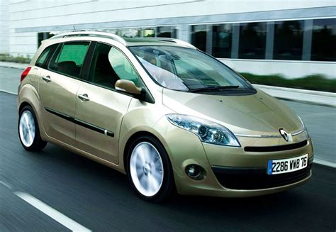 Renault Backgrounds by Renault Scenic 3 Free Car Hd Wallpaper