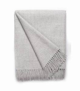 Plaid Gris Clair : plaid laine alpaga luxe gris clair plaid addict vente en ligne de plaids gris ~ Teatrodelosmanantiales.com Idées de Décoration