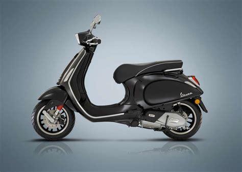 Vespa Primavera Hd Photo by 2018 Vespa Sprint 150 Review Total Motorcycle