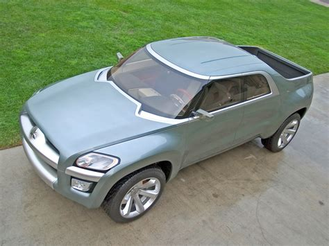 2004 Mitsubishi Sport Truck Concept Front Angle Top