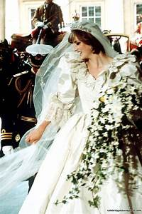 Mariage Charles Et Diana : 17 best images about the royal wedding of the century on pinterest royal weddings prince ~ Melissatoandfro.com Idées de Décoration