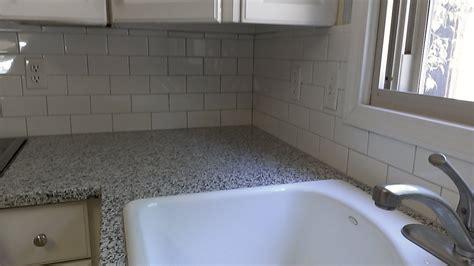instalacion completa de ceramica en el meson de la cocina