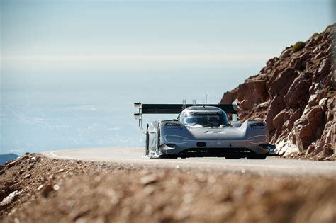full video shows   bonkers  vw pikes peak