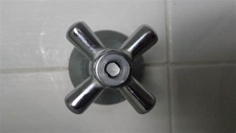 Shower Turns But No Water - shower faucet handle turning but no water leaks