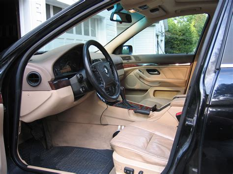 Carpet Interior : Beige Interior-black Floor Mats?