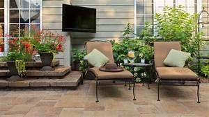 Garten Terrasse Gestalten : terrasse mit platten optimal gestalten ~ One.caynefoto.club Haus und Dekorationen