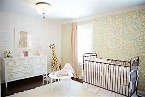 chambre bebe fille 50 idees de deco et amenagement With chambre bébé design avec guirlande fleurs hawai