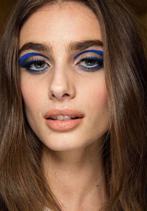 runway beauty graphic cat eye  atelier versace spring
