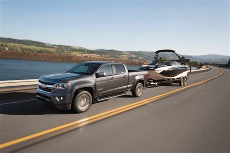 Buy A Boat Car by How To Buy A Truck Or Suv To Haul Your Boat Edmunds