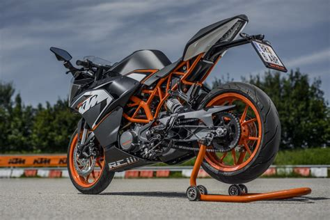 ktm rc 125 auspuff finally there and ready to test the all new ktm rc 125 ktm