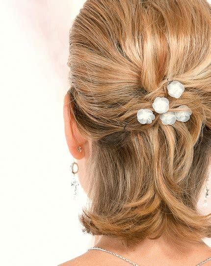 einfache steckfrisuren kurze haare