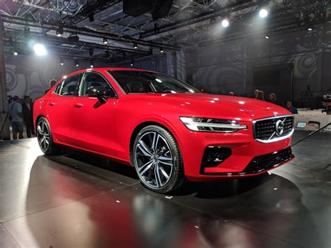 volvo  unveiled  morning  south