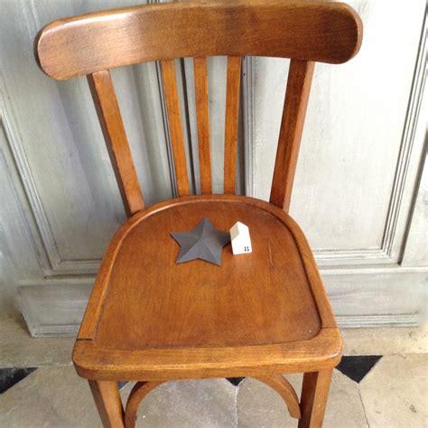 chaise de bistrot vintage chaise bistrot ancienne de style baumann en bois clair