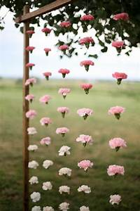 Hanging flowers - Low-cost ideas for your ceremony and
