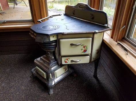 Antique Stoves -- Antique Price Guide