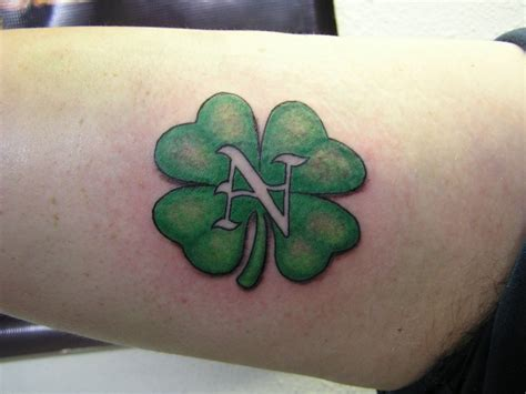 Irish Tattoos Men shamrock tattoos designs ideas  meaning tattoos 1024 x 768 · jpeg