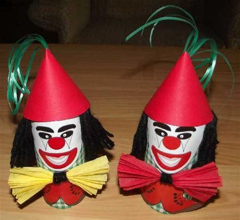 bastelsachen basteln fasching waescheklammern mit clowns pictures  pin  pinterest