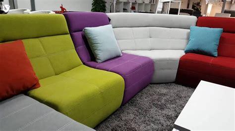 canapé d angle multicolore canapé d 39 angle modulable multicolore en tissu osaka