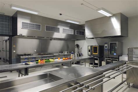 materiel de cuisine professionnelle cuisine équipée design et moderne ou sur mesure hay riad
