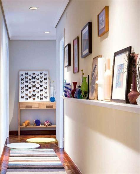 idee de decoration moderne pour  couloir etroit