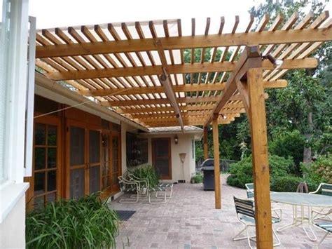 tettoie in legno chiuse coperture in legno per esterni pergole tettoie giardino