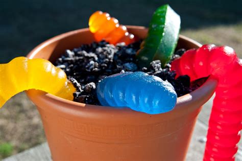 dirt cake with gummy worms document moved
