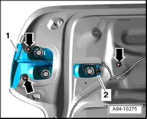 how do i replace the bulb in audi q7 light