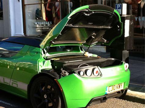 2011 Tesla Roadster Sport 2.5, Size