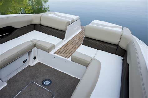 Bass Boats Seats And Carpet by 1000 Ideas About Boat Carpet On Boat Seats