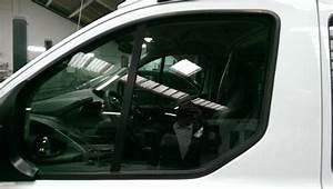 Film Teinté Voiture : reparation vitre voiture changer ou r parer sa vitre de voiture bris e cenon remplacement de ~ Medecine-chirurgie-esthetiques.com Avis de Voitures