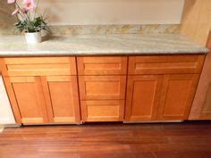 honey shaker kitchen cabinets kitchen cabinets shaker style maple search for 4325