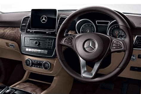 The automobile accepts diesel fuel type. Mercedes-Benz GLS 63 AMG 2020 Price in India | Droom