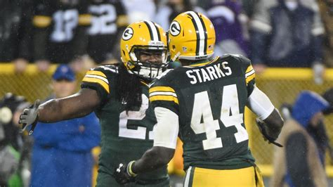 packers depth chart  projecting  offense   otas acme packing company