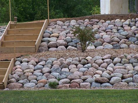 garden boulders rock landscaping ideas top 17 best 1000