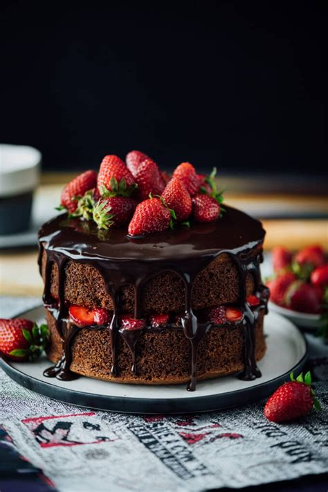 chocolate strawberry cake give recipe