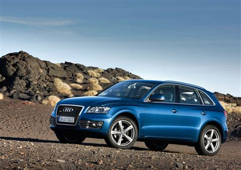 The audi q5 is a series of compact luxury crossover suvs produced by the german luxury car manufacturer audi from 2008. Audi Q5 Hybrid Coming Next Year