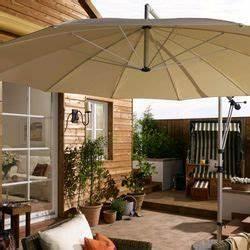 Kübelpflanzen Für Schatten : sonnenschirm auf der terrasse 6 tipps f r schatten nach ma ratgeberzentrale ~ Eleganceandgraceweddings.com Haus und Dekorationen