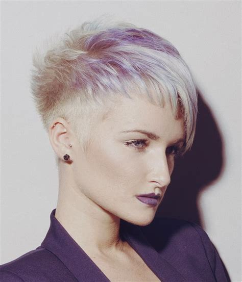 A Short Blonde hairstyle From the Syran John Hairdressing