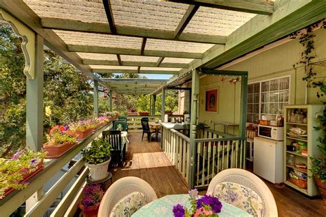 the mariposa creek garden veranda mariposa hotel inn