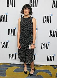 Singer Teddy Geiger makes red carpet debut as a woman