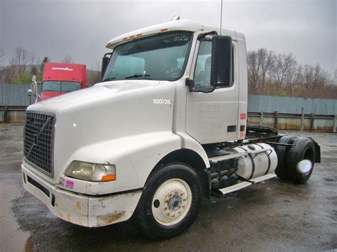 volvo tractor for sale 2004 volvo vnm42t single axle day cab tractor for sale by