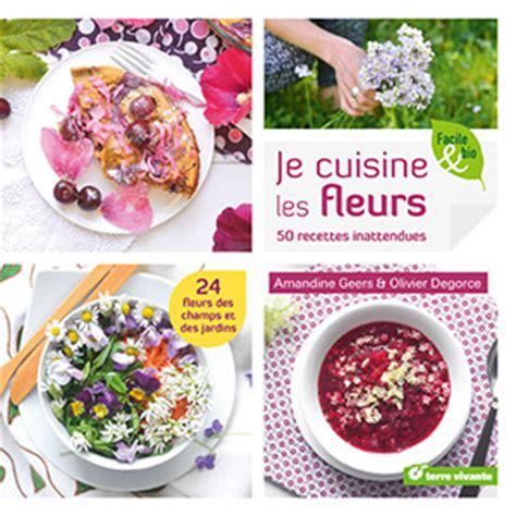 cuisiner les fleurs de courgette recette de beignets à la fleur de courgette