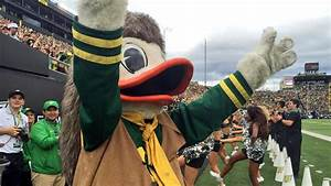 Oregon's wearing Lewis and Clark uniforms, and the mascot ...