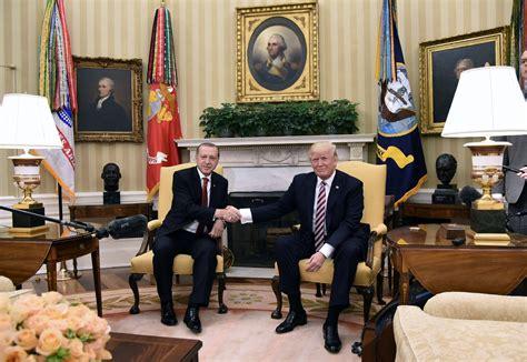 bureau croix blanche pour leur premier tête à tête et erdogan se