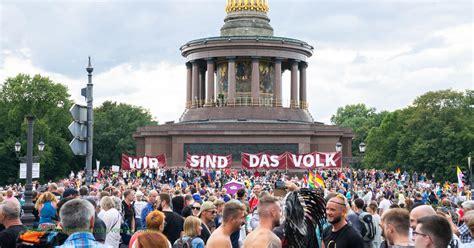 Interessanterweise wird querdenker meist sofort mit querulant verwechselt. Gesundheitsgipfel in Berlin: Querdenker rufen zum Protest ...