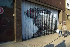 Lenticular street art by roa colossal for Lenticular street art by roa